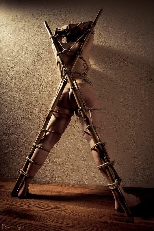 BDSM kors bambus