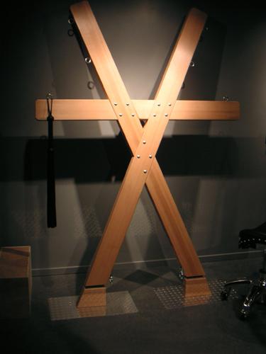 Herocross BDSM kors